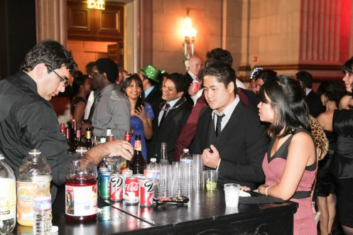 10 and 15 foot bar rental by DC Party Rentals, bartenders, corporate entertainment staffing, event planning call 1 202 436 5114